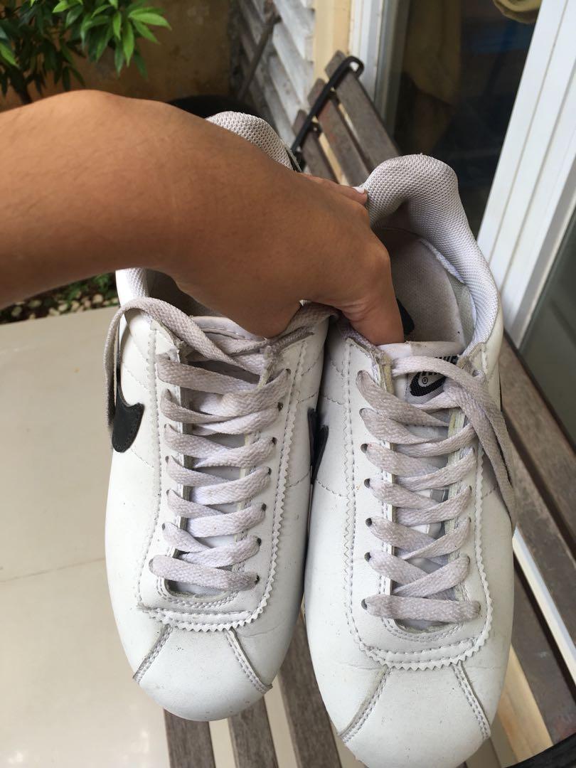 Nike Cortez White Black Fesyen Wanita Sepatu Di Carousell