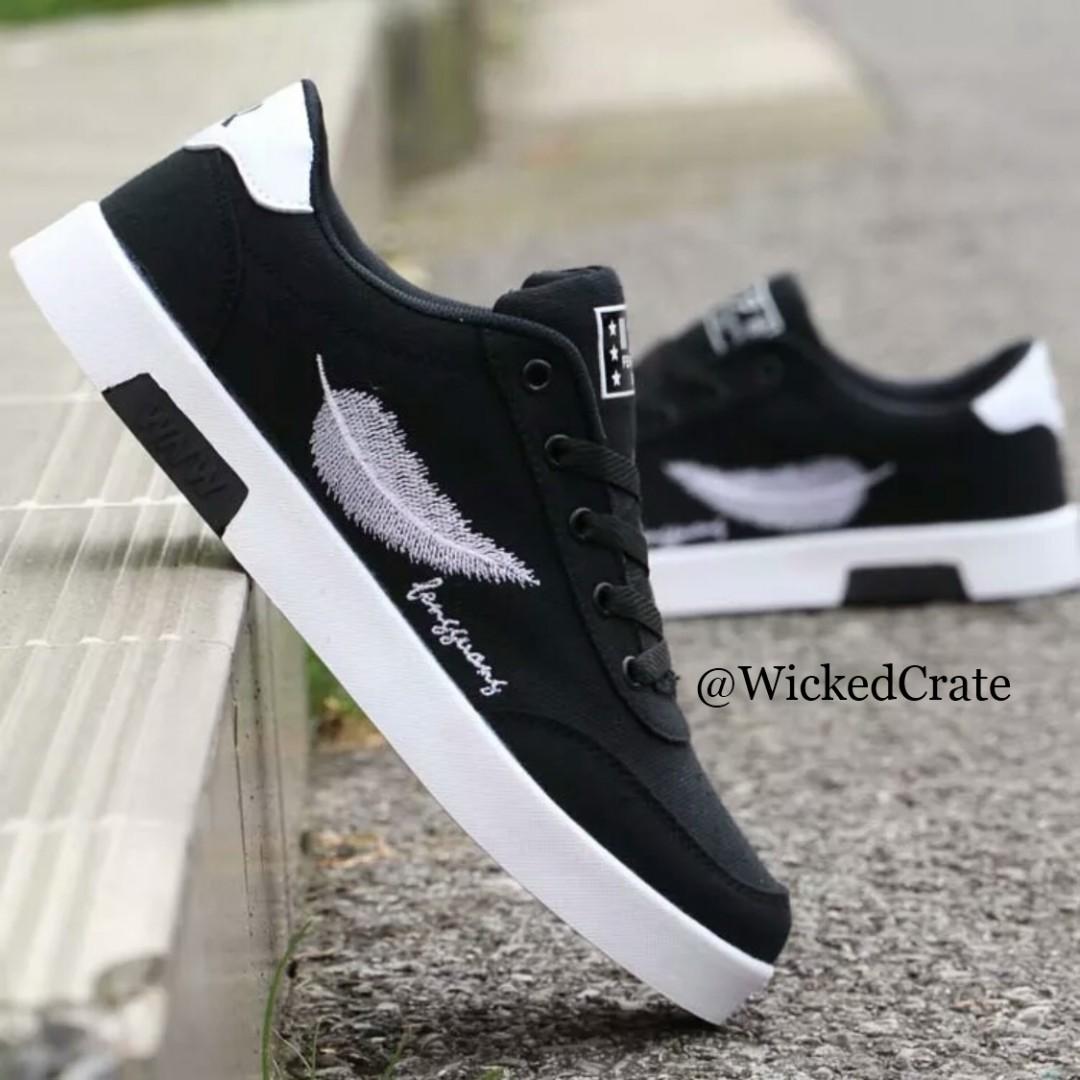 d5b2edcfd7c3 PO  Feather Emblazoned Sneaker(Black)