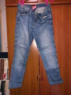 🚚 Jeans pants