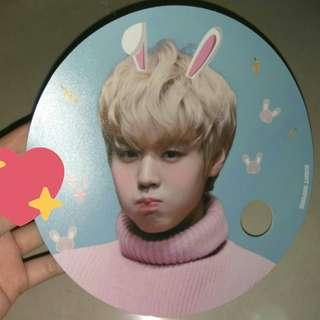 LOOKING FOR WANNA ONE FANS