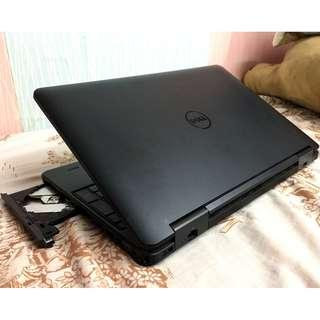 Dell Latitude  E5540 Working station Core i5 Touchscreen gaming laptop
