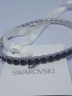 BNWT Authentic Beautiful Swarovski Crystal Garnet Color Bracelet
