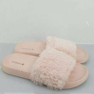 Vincci Sandal Fur #50under #DEC50 #MY1212