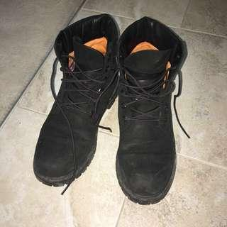 TIMBERLAND All Black Boots