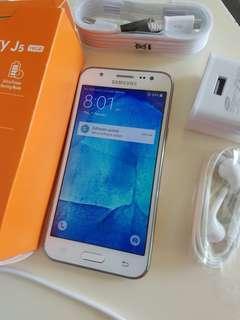 Samsung j5.model.j500N0. 16gb