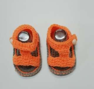 Shoes for baby c/w free set of stokin