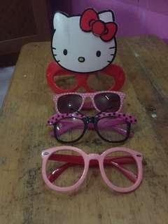 Kacamata ank perempuan... cantik