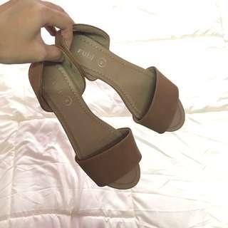 [FREE📮] Rubi Sandals