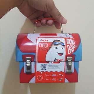 Kinder Money Box with chocolates