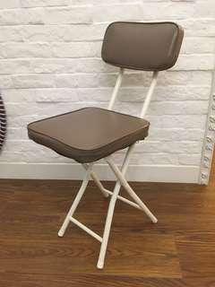 Folding chair 摺凳