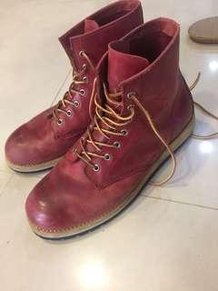 🚚 Timberland 款 紅 靴子 42 二手 43也可穿