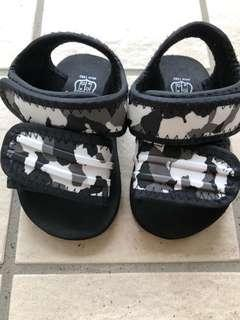 🚚 Baby sandals from Japan