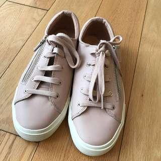 Stradivarius pink sneakers
