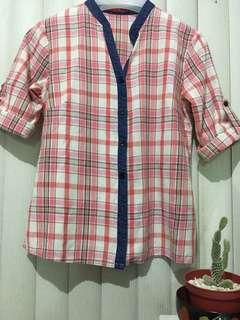 SHAPES CHECKERED blouses