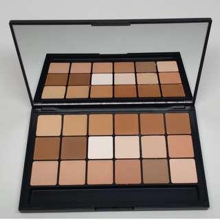 RCMA MAKEUP 18P VK11 PALETTE BRAND NEW & AUTHENTIC (NO SWAPS, PRICE IS FINAL)