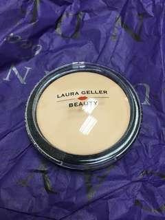 Laura Geller Baked Setting Powder [ code : Light ]