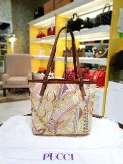 Emelio Pucci Medium Floral Tote Bag ❤️MARK DOWN SALE P12k ONLY❤ ✖️✖️P14,800✖️✖️ Slightly used. Good as Brand new With dustbag Swipe for detailed pics