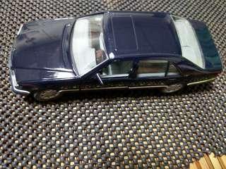 🚚 賓士600SEL 1:24模型車