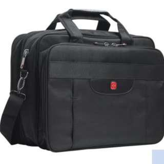 *Cheap* Expandable Laptop Bag / Day Luggage
