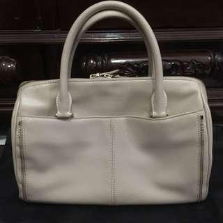 CHARLES AND KEITH BAG AUTHENTIC