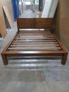 soild teak wood queen bed