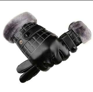 🚚 BN PU Leather Touch Screen Winter Gloves For Man (adjustable belt) white lines outside furry