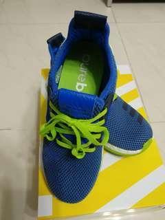 童鞋35.5碼(偏細.實35)