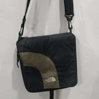 North Face weather resistant sling travel bag #Midsep50