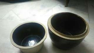 Old fashion pots