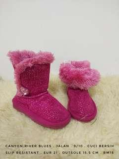 Pink furry winter snow boots