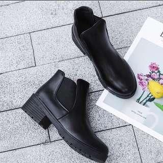 🚚 大推🔥秋冬款必備短靴