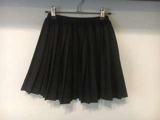 Subtitle Pleated Skirt