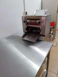 小型壓麵機