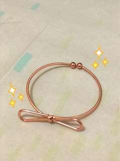 #MauiphoneX h&m rosegold bangle