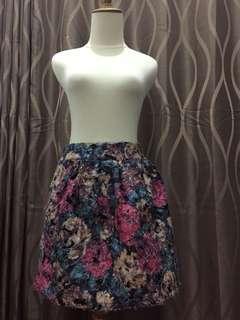 Mini skirt flower