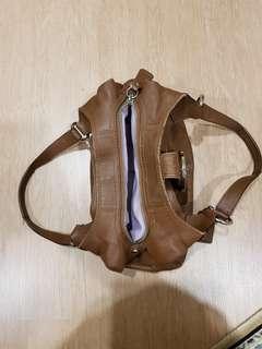 Reduce to clear!! RM 310 free postage!! Original Coach handbag (preloved)