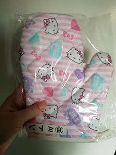 🚚 Sanrio hello kitty tikam lottery prize gloves kitchen baking