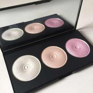 Makeup Revolution Highlight Palette