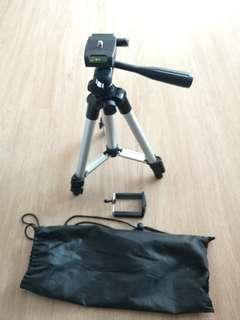 BNIB Portable Mobile Handphone & Camera Tripod