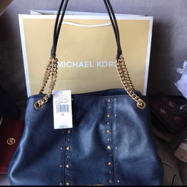 fd2e7b3b985e Authentic Mk shoulder bag, Luxury, Bags & Wallets, Handbags on Carousell
