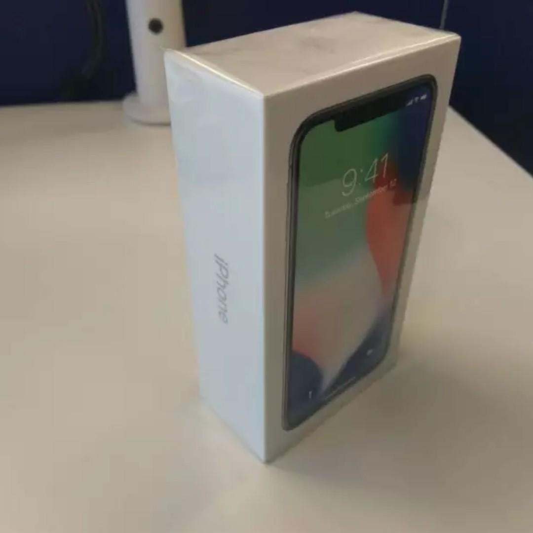 iPhone X 256 GB silver. Brand new, still in plastic wrap