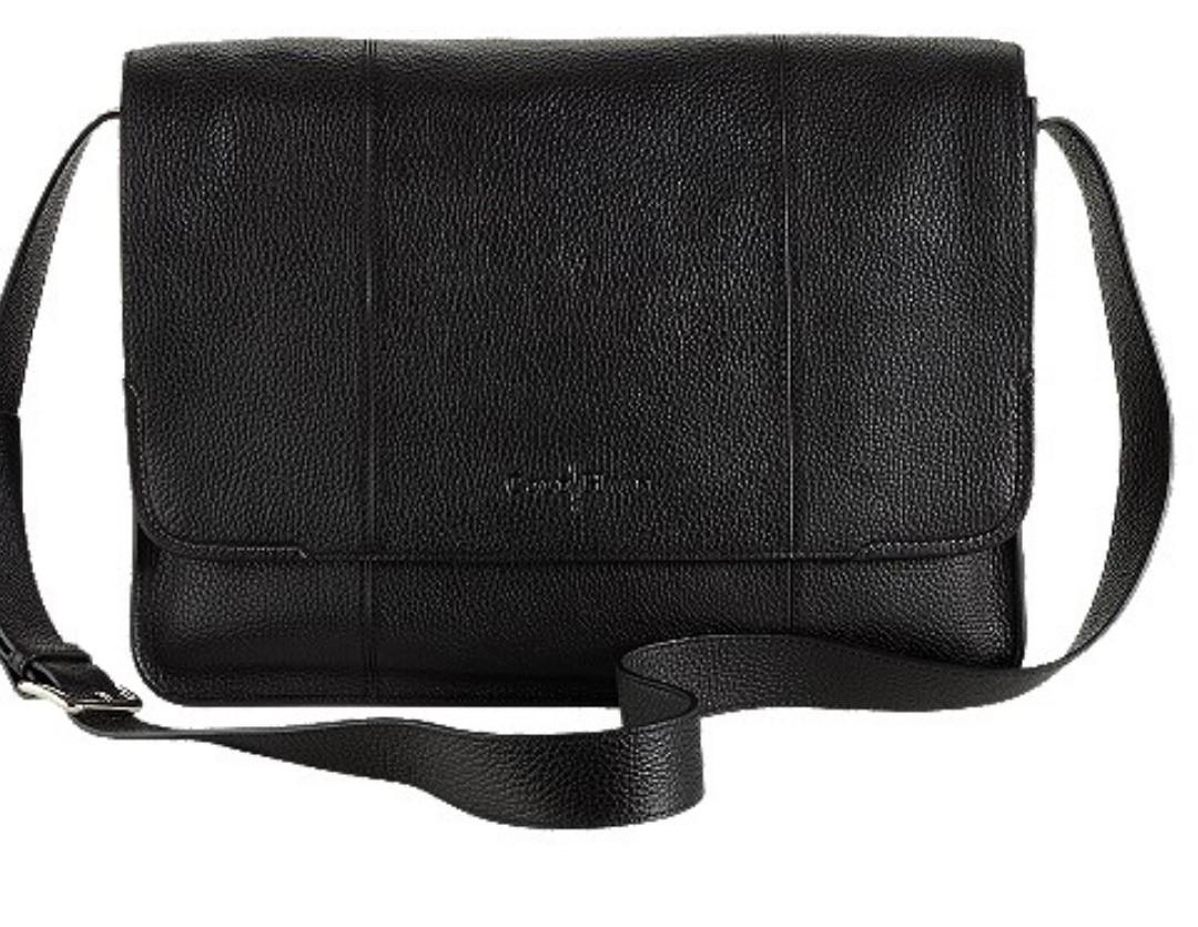 4d1793e9f6 Mint condition full leather Cole Haan laptop  messenger bag
