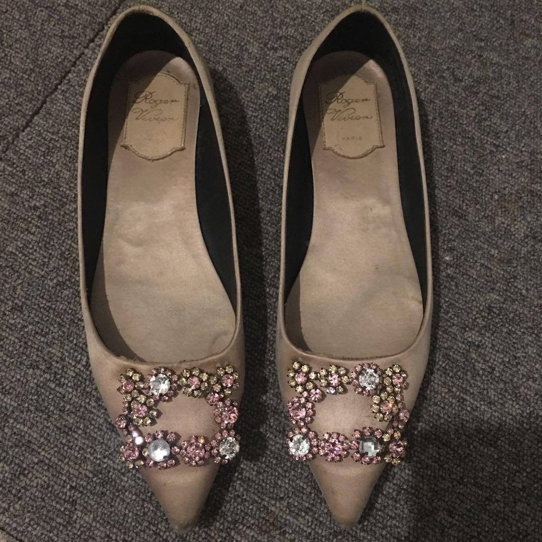 ace1de9108f RESERVED)Authentic Roger Vivier Pointed Shoes