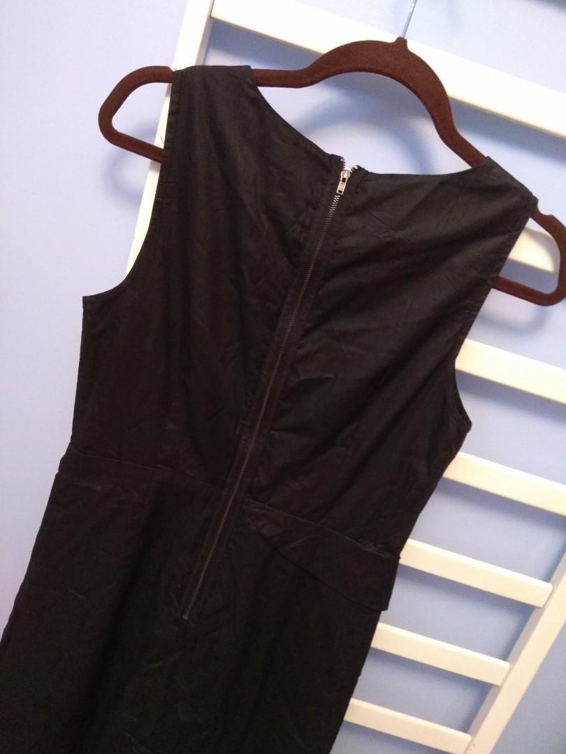 Slim Black Dress