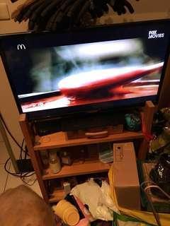 二手電視📺ㄧ切使用正常哦,有找到電視的遙控器哦。搬家,隨便賣,自取