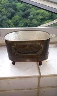 舊銅蟋蟀盒1個
