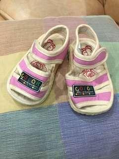 Sepatu sandal bayi / anak