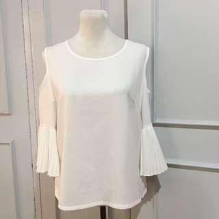 SM Woman White Top size L on tag