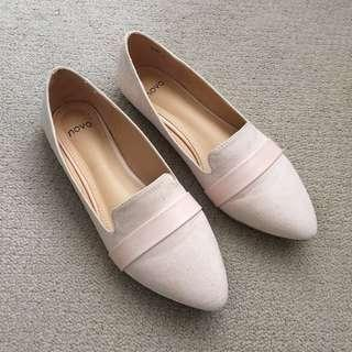 NOVO Pink/Nude Pointy Flats