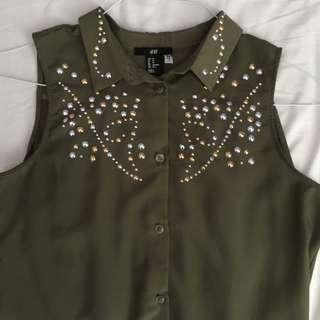 ❇️H&M studded sleevess blouse